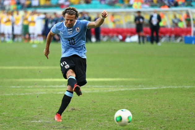 Diego Forlan and 5 Aging Strikers Who'll Still Be Threats at the World Cup