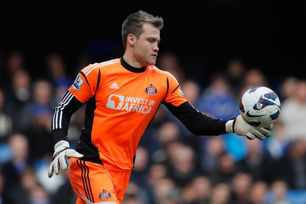 Liverpool: Is Simon Mignolet or Pepe Reina the Better Option as Goalkeeper?