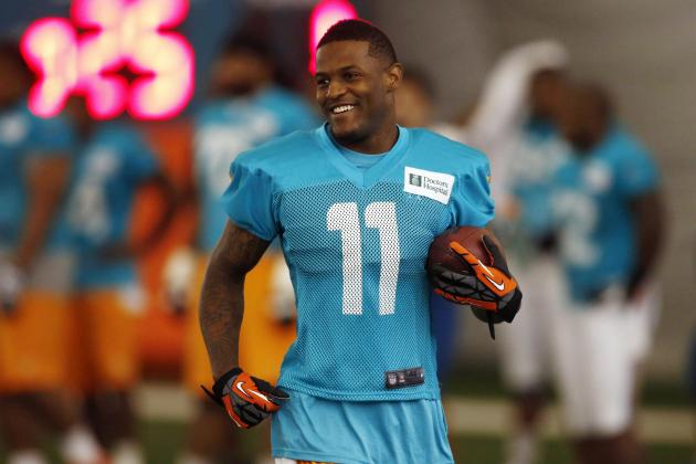 Miami Dolphins: Mike Wallace Is a Top-10 Receiver
