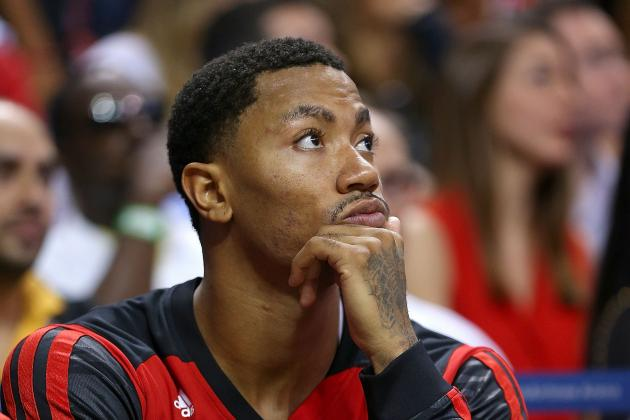 Best Images from Derrick Rose's Opening-Night Return vs. Heat