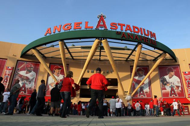 Los Angeles Angels Offseason Tracker: Hottest Trade Rumors, Free Agency News