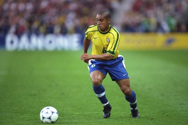Roberto Carlos and Players with the 10 Hardest Shots in Football History