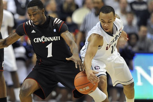 College Basketball Picks: Cincinnati Bearcats vs. Connecticut Huskies