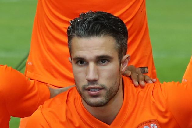 Robin Van Persie and 5 Other Players Barcelona Could Buy This Summer