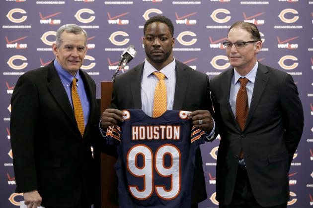 Predicting the Chicago Bears' Starting Lineup After Free-Agent Signings