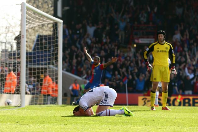 Premier League Weekend in 20 Pictures: Chelsea Take Another Blow to Title Hopes