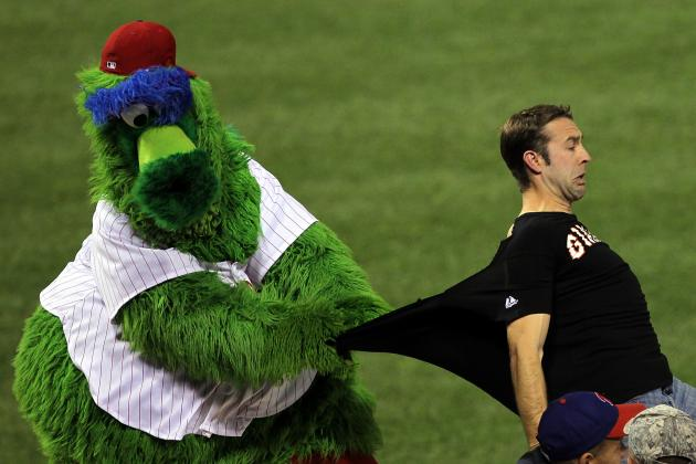 25 Instances of Mascots Misbehaving