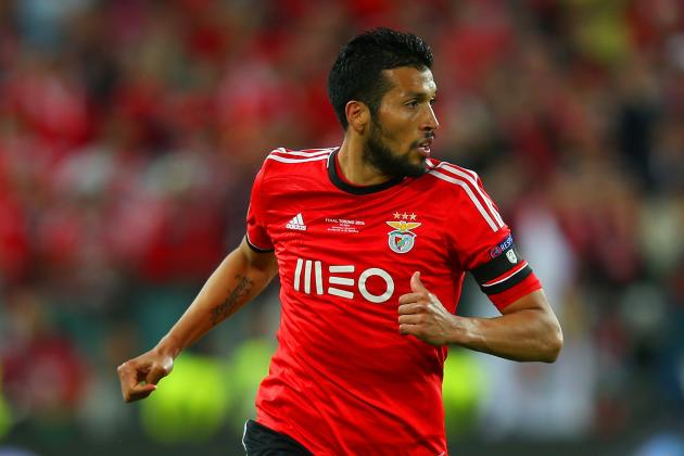 Ezequiel Garay and 7 Players Louis Van Gaal Could Bring to Manchester Utd