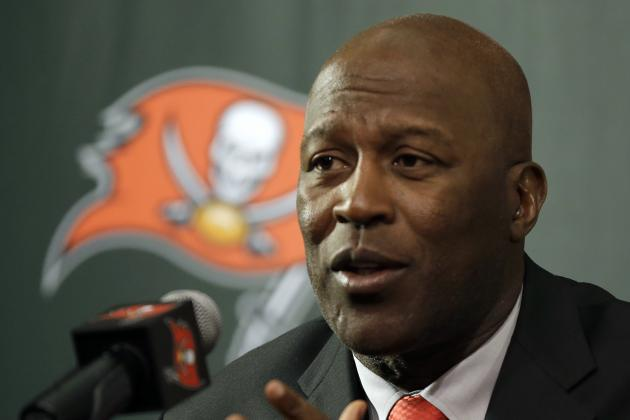Buccaneers: 4 Bold (and 4 Slightly Less Bold) Predictions for the 2014 Bucs
