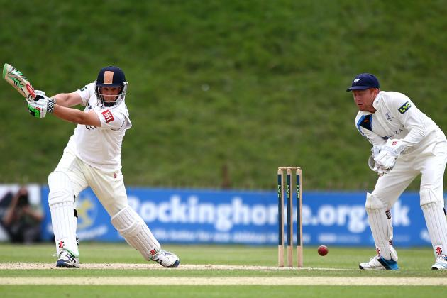 County Championship Team of the Week: Saeed Ajmal, Kyle Hogg and More