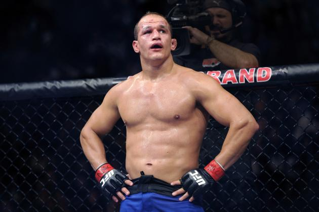 UFC: Junior Dos Santos, Urijah Faber and 5 Fighters Stuck in No Man's Land