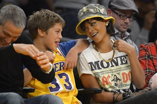 10 Reasons Why Rihanna Is the Ultimate Sports Fan