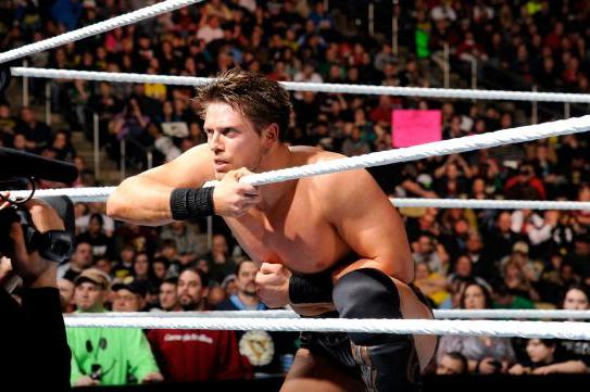 5 WWE Superstars Primed for a Better 2nd Half of 2014