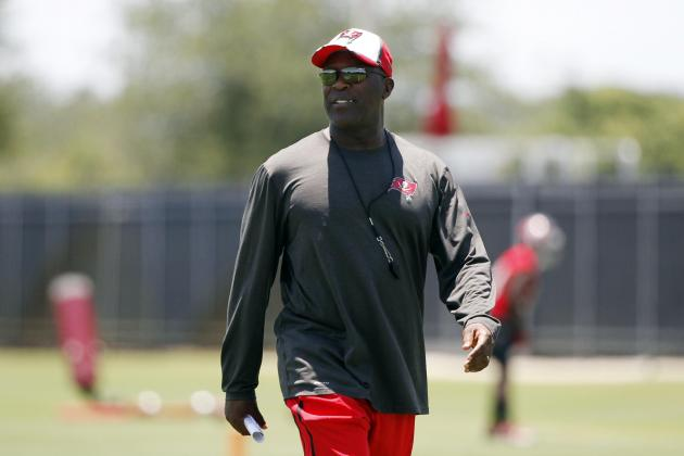 Tampa Bay Buccaneers: Updating Bucs' Key Position Battles Early in Training Camp