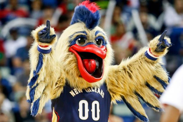 Weird Moments with Mascots