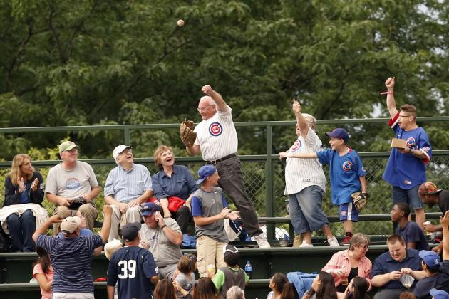 10 Fan Catches Better Than in the Actual Game