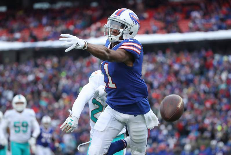 Report: Biils WR Zay Jones involved in bloody confrontation