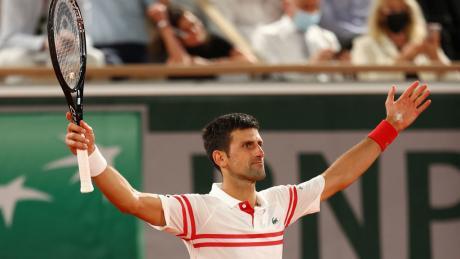 Novak Djokovic beats Rafael Nadal at French Open