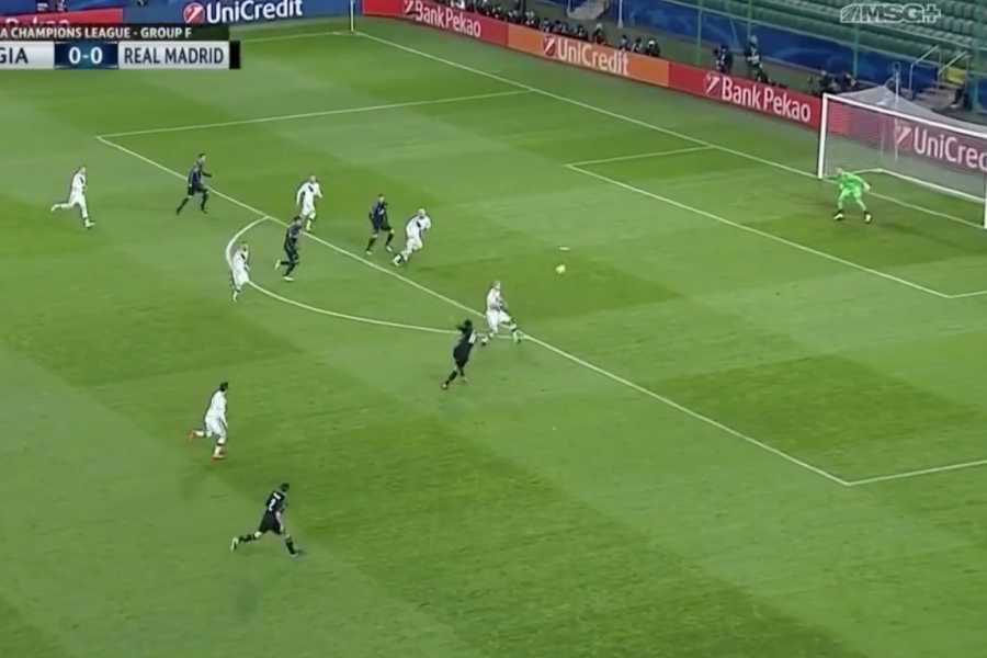 Bleacher Report | Bale Wastes No Time with 1st-Minute Screamer