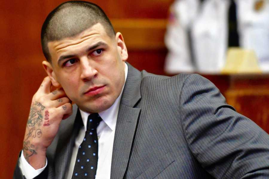 Bleacher Report | Aaron Hernandez Dies in Apparent Suicide