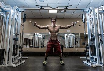 Bodybuilder Becomes Crohn's, Keratoconus Advocate Because of