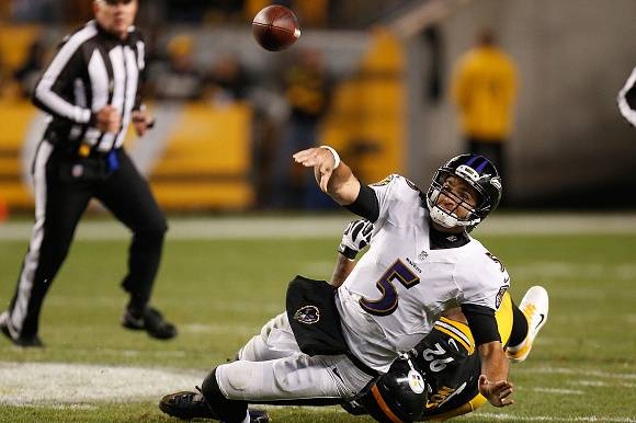 344738da07a PITTSBURGH, PA - NOVEMBER 02: Joe Flacco #5 of the Baltimore Ravens throws