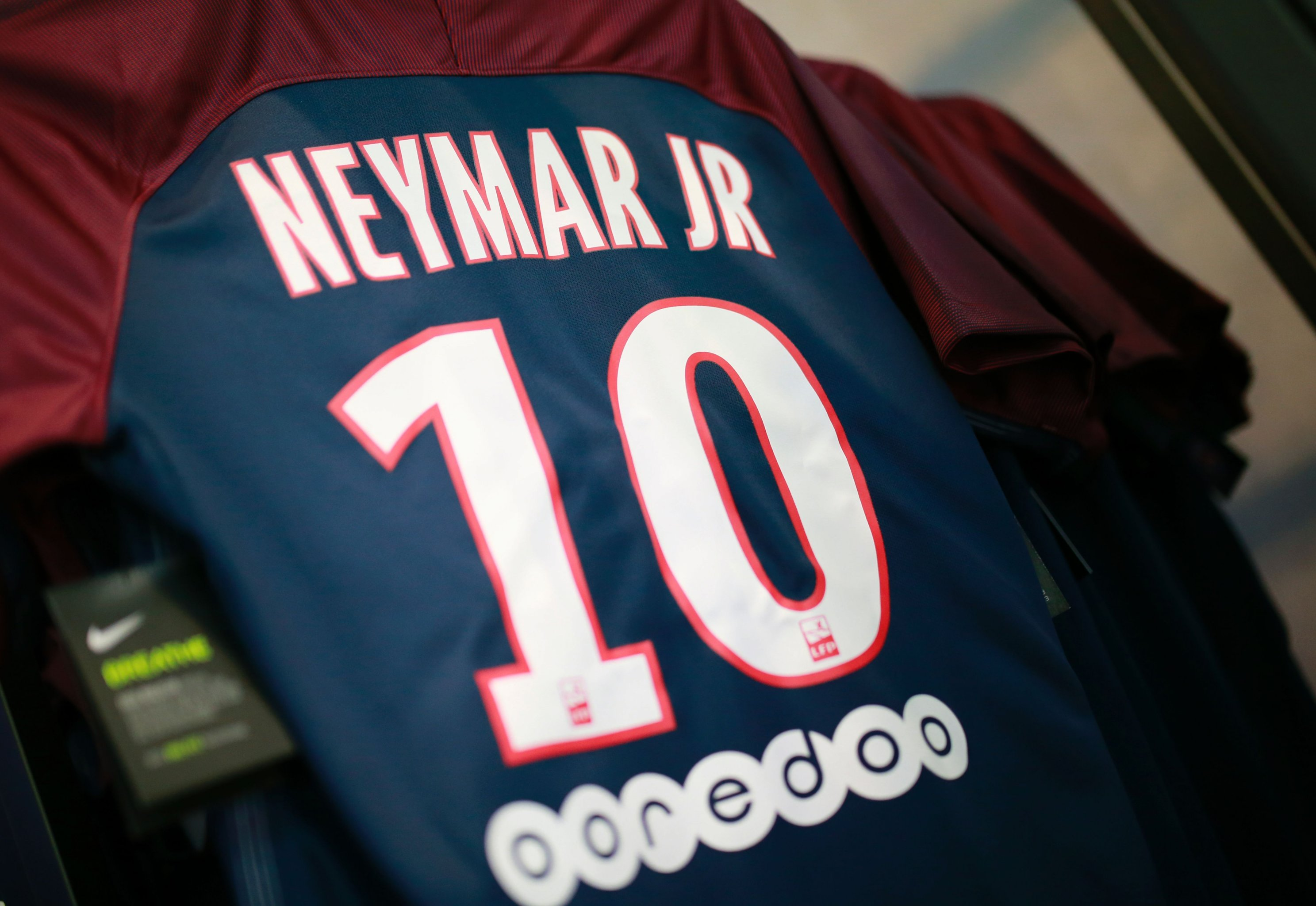 new concept c6ad5 94fd0 Neymar Shirts Stolen by Burglars Who Broke into PSG Manager ...