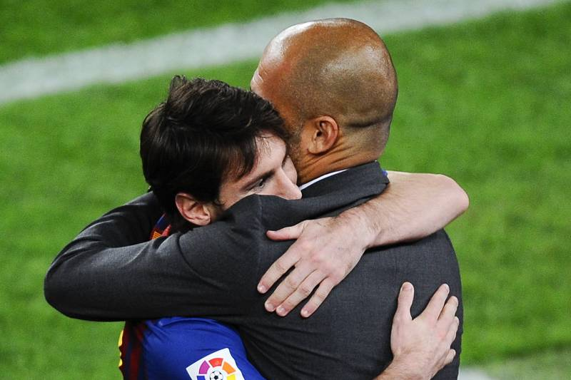 messi hugging guardiola