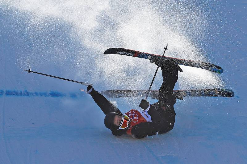 PYEONGCHANG-GUN, SOUTH KOREA - FEBRUARY 17: Mathilde Gremaud of Switzerland crashes during the Freestyle Skiing on day eight of the PyeongChang 2018 Winter Olympic Games at Phoenix Snow Park on February 17, 2018 in Pyeongchang-gun, South Korea. (Photo by