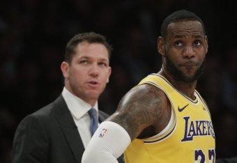 60c639bb5e5 Should Lakers Keep Luke Walton