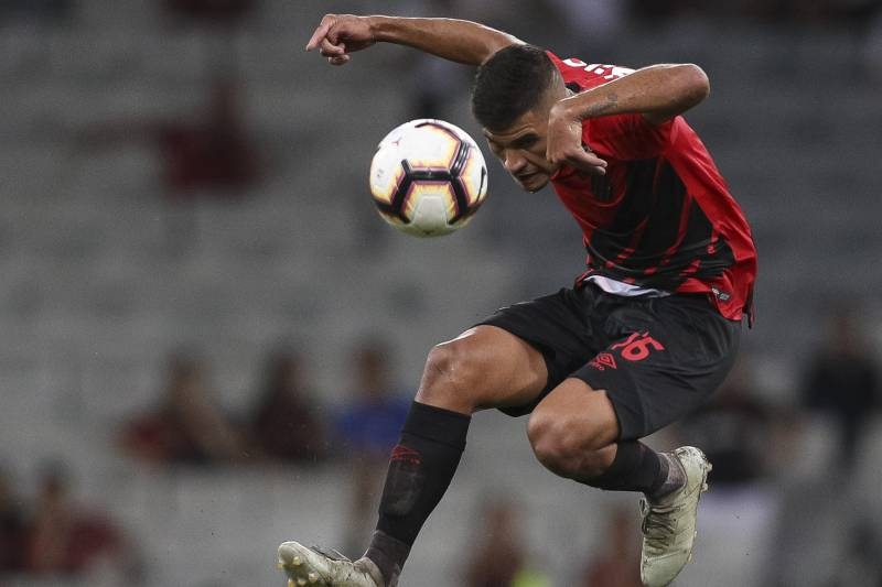 CURITIBA, BRAZIL - MARCH 14: Bruno Guimaraes of Athletico PR controls the ball in the air during a match between Athletico PR and Jorge Wilstermann, as part of Copa CONMEBOL Libertadores 2019 at Arena da Baixada on March 14, 2019 in Curitiba, Brazil. (Pho