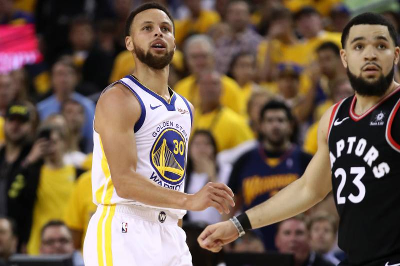 OAKLAND, CALIFORNIA - JUNE 05:  Stephen Curry #30 of the Golden State Warriors reacts against the Toronto Raptors in the first half during Game Three of the 2019 NBA Finals at ORACLE Arena on June 05, 2019 in Oakland, California. NOTE TO USER: User expres