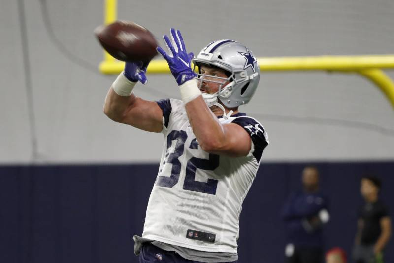Despite spending last season in a TV broadcast booth, some NFL execs think Jason Witten can still be an effective pass-catcher thanks to his years of experience and reliable track record.