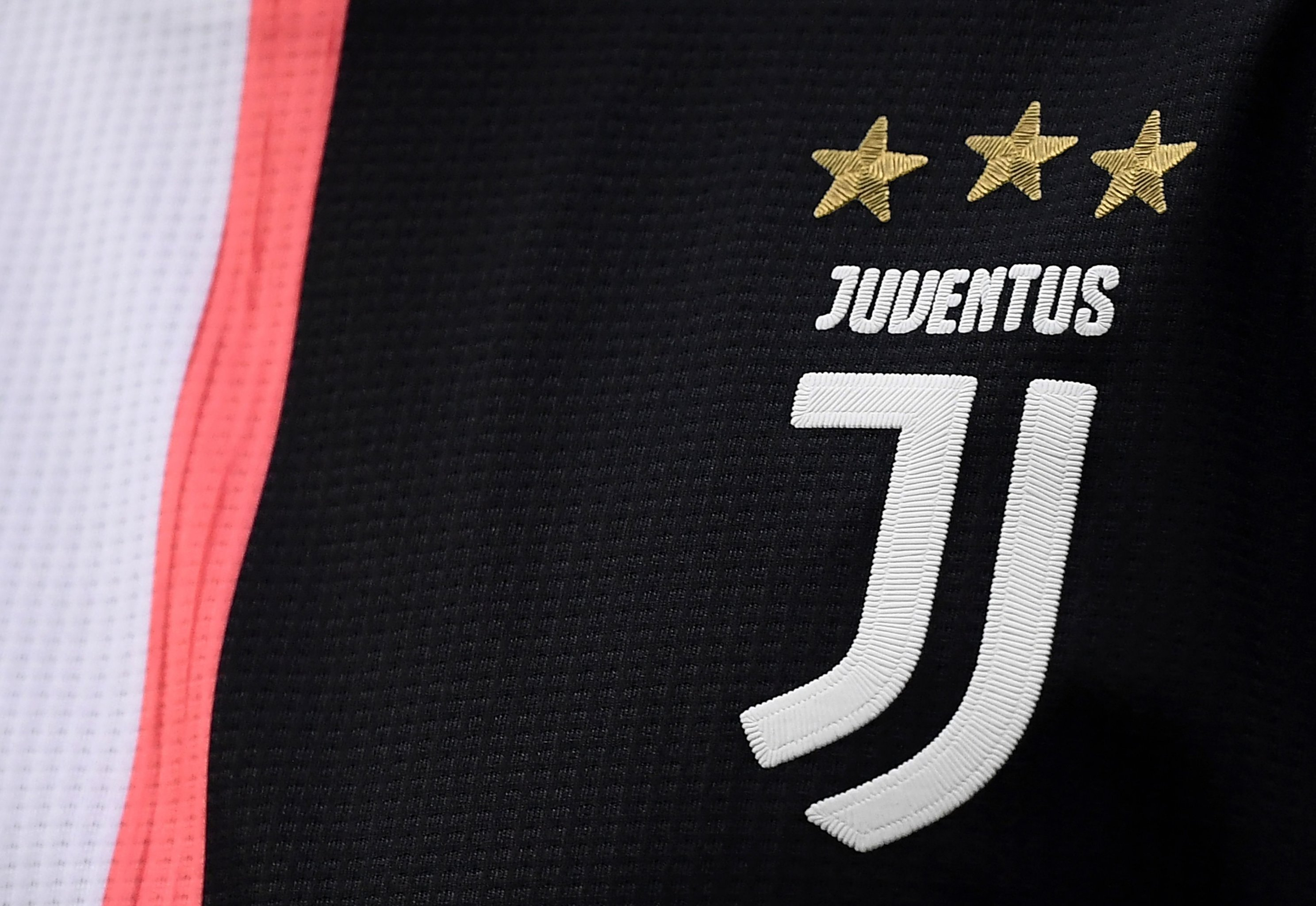 Rebranding Juventus How A New Logo And Ronaldo Have Changed Everything Bleacher Report Latest News Videos And Highlights