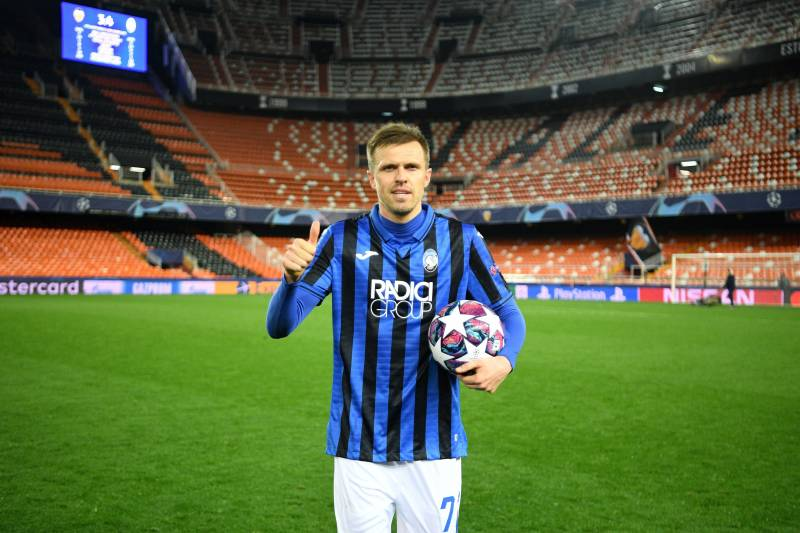 Atalanta's Slovenian midfielder Josip Ilicic celebrates after  the UEFA Champions League round of 16 second leg match between Valencia CF and Atalanta at Estadio Mestalla on March 10, 2020 in Valencia. (Photo by - / POOL UEFA / AFP) (Photo by -/POOL UEFA/