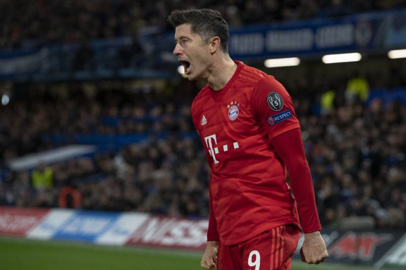 LONDON, ENGLAND - FEBRUARY 25: Robert Lewandowski of FC Bayern Munchen celebrates the first goal during the UEFA Champions League round of 16 first leg match between Chelsea FC and FC Bayern Muenchen at Stamford Bridge on February 25, 2020 in London, Unit