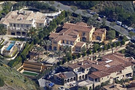 f9a4937ab17 Kobe Bryant Black Mamba S New Mansion Looks Like A Humble Abode
