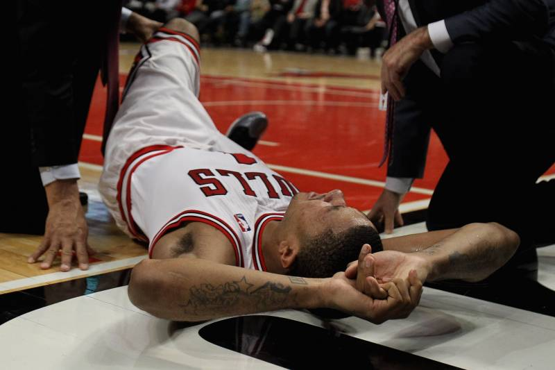 860157bf240 Derrick Rose Injury  Is Tom Thibodeau to Blame for the Torn ACL ...