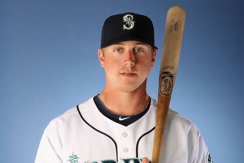 dd7804b222 PEORIA, AZ - FEBRUARY 21: Justin Smoak #17 of the Seattle Mariners poses