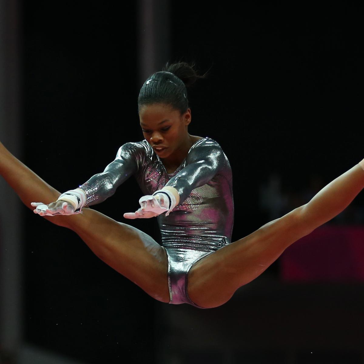 фото гимнастки с расстегнутой приятного поджаристого