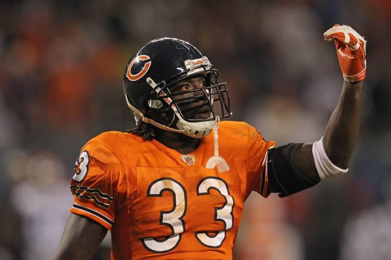 best sneakers 76763 d93c3 Chicago Bears Cornerback Charles Tillman Runs Life-Changing ...