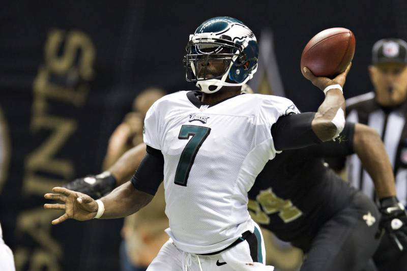 8c3b6a95b03 Michael Vick and the Eagles have lost 4 straight games, but is sitting Vick  the