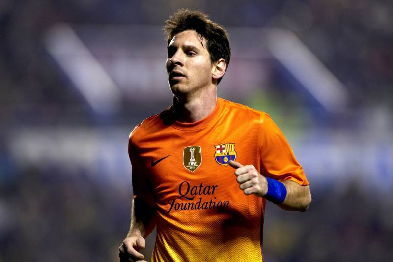cheap for discount 052d2 b99bf Messi and Ronaldo Watch: Lionel Messi Closes on Record, Real ...