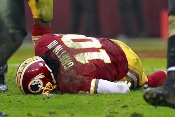 ef0a886f7 6 Reasons Why Redskins  Mike Shanahan Needed to Pull RGIII from Playoff  Game