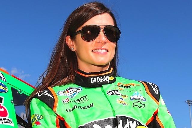NASCAR ajurit dating
