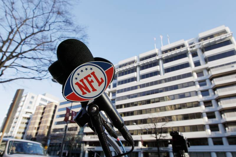 NFL Free Agency: A Basic Explanation of the Complex Concept