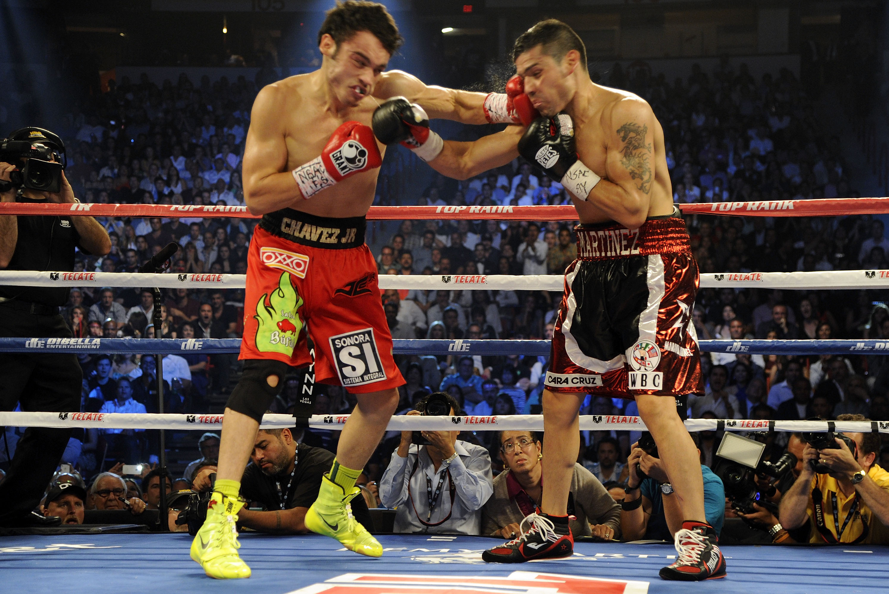 Ranking the 5 Boxers with the Most Exciting Fighting Styles