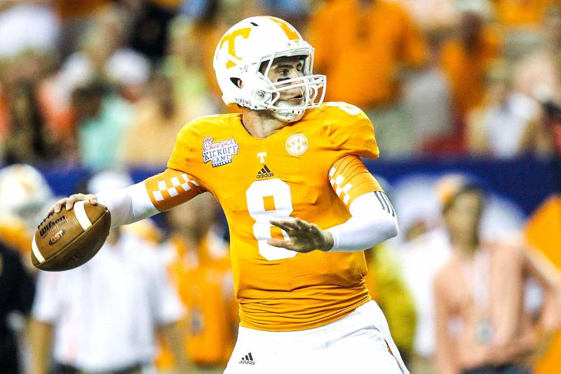 new product 5b744 99e7b Tyler Bray Reportedly Signs with Kansas City Chiefs ...