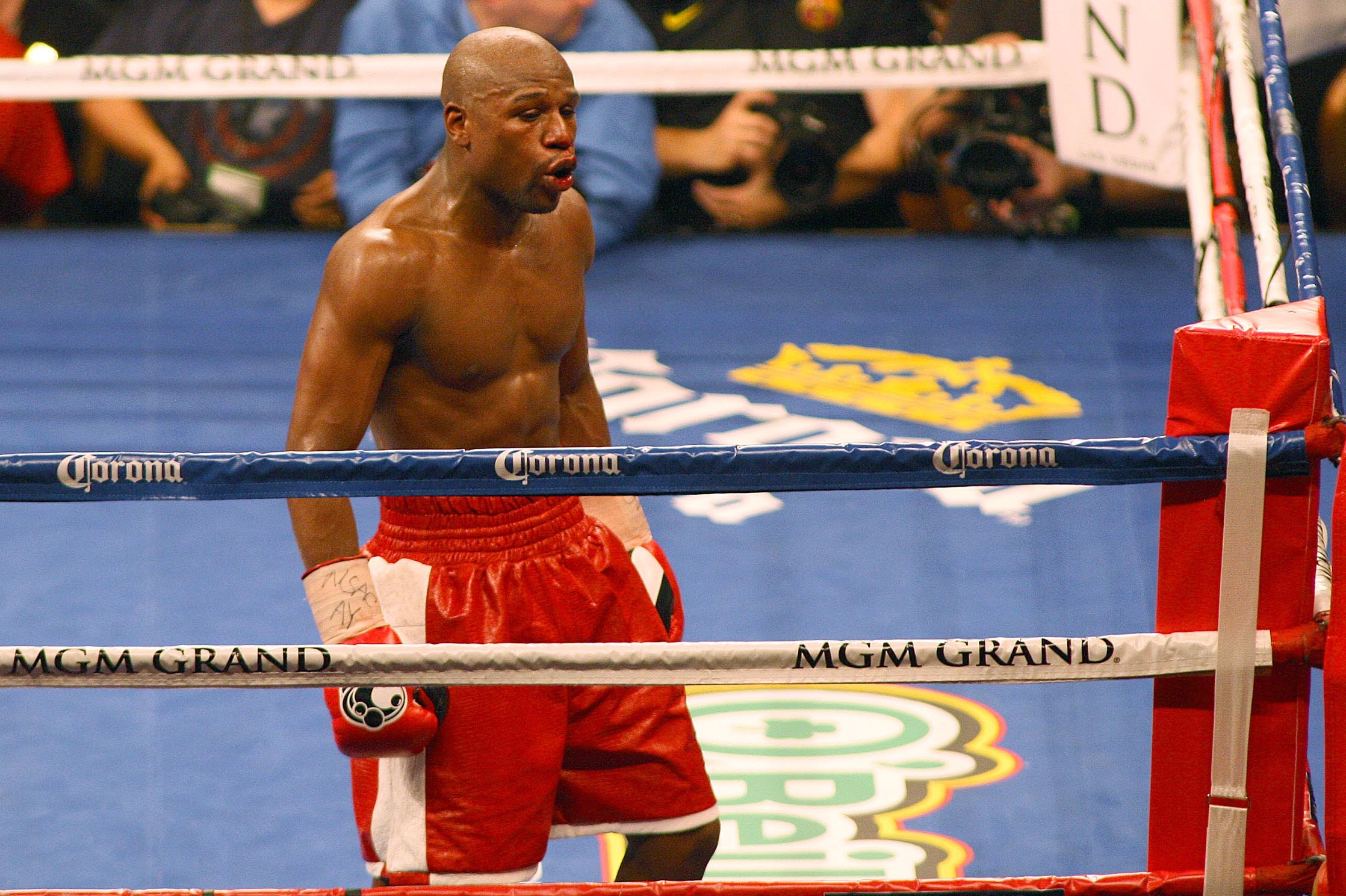 Mayweather vs guerrero vegas betting odds over and under betting line on cactus bowl 2021