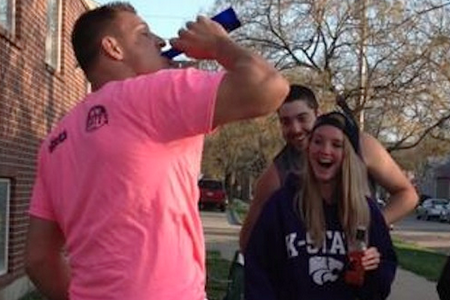 Rob Gronkowski Goes Back To College Chugs Brews And Gives